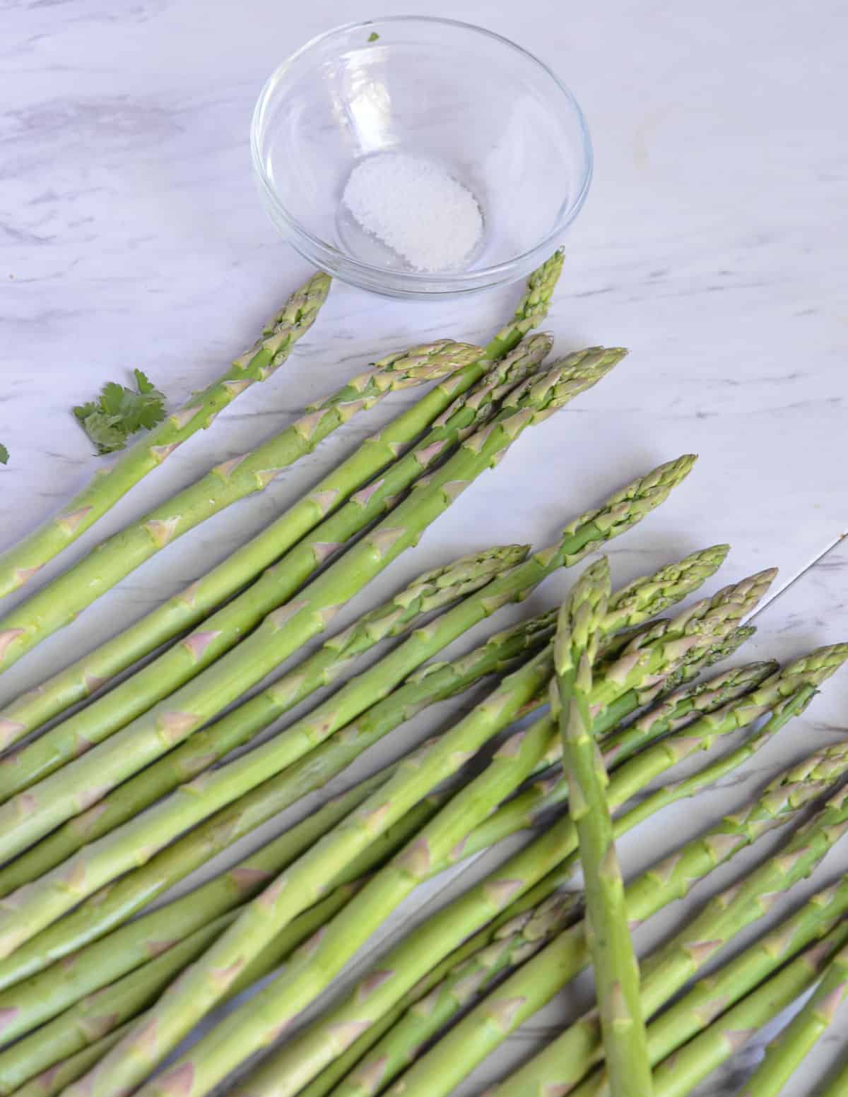 asparagus and salt shown in the pic for ingredients