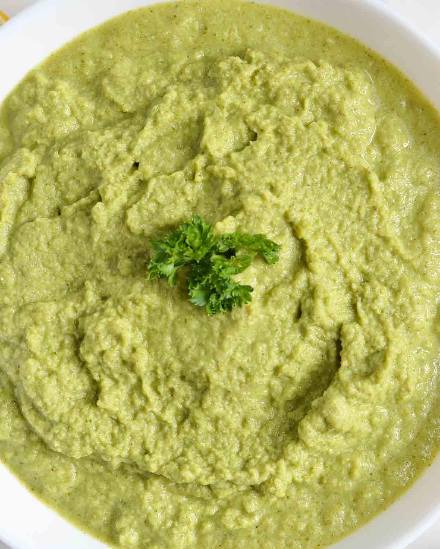 close up nut-free and vegan broccoli pesto